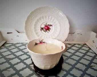 Vintage Teacup Candle with Simple Rose Motif