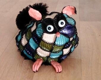 CLEARANCE - Kiwi, creature decorative unique mi-lemurien mi-tatou
