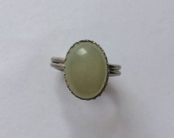 Vintage 1980's Oval Bezel Prehnite Chalcedony Green Glass Adjustable Ring