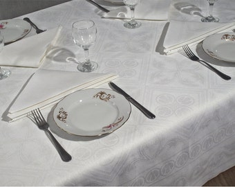 White linen table cloth/Linen Tablecoth/ White linen table cloth/ Kitchen tablecloth/White linen tablecloth/ Square tablecloth