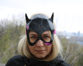 Catwoman mask. Batman and catwoman. Catwoman costume mask. Catwoman party. Catwoman cosplay. Catwoman and Batman party. Superhero mask.