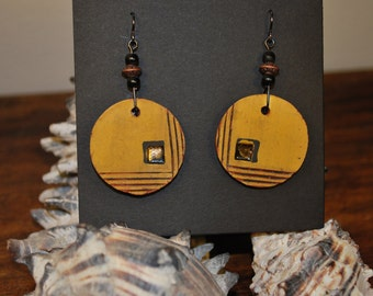 Ceramic dangle earrings w/ gold luster
