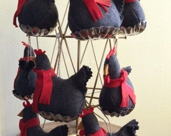 10 scarf sporting chickens
