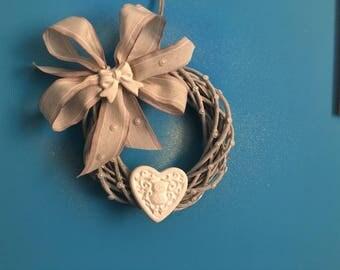 Fragrant wreath with gypsum
