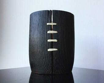 Decorative pot in oak