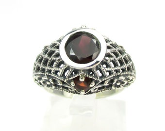 Flashy Sterling Silver & 2ct Garnet Filigree Ring Size 7 - Beautiful Antique Inspired Style!