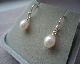 Freshwater Pearl drop earings
