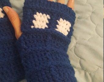 Police Call Box Fingerless Gloves- PATTERN ONLY