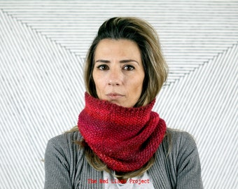 Hand knitted red snood I Cozy tube cowl I Wool circular scarf