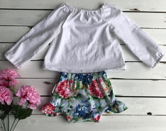 Size 0 White Peasant Top and Hydrangea Bloomer Set
