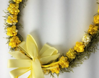 Yellow Rosette Lei