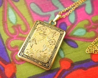 Flower Locket Necklace - 1940s Locket - Engraved Locket - Enamel Locket - Gold Filled Locket - Wedding Locket