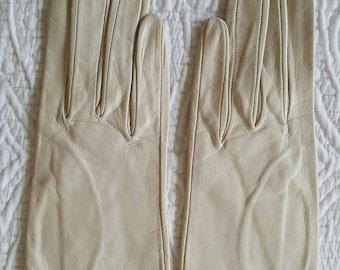 1959s 1960s Italian Kid Leather Gloves Size 6.5