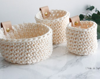 Crochet baskets and leather, ecru, set of 3