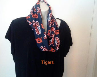 Detroit Tigers Infinity Scarf