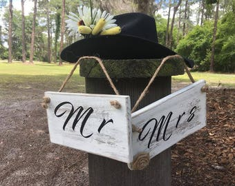 Wedding Country rustic chic Mr& Mrs wedding signs