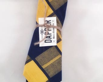 "Men's Yellow and Navy Tie (2 1/4"")"