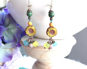 Yellow Flower Bead Shinning with Other Colorful Ones