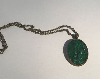 green chipped pendant