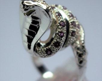 Silver snake seam of the tourmaline ring rose
