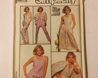 Simplicity's sewing pattern