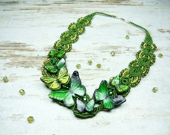 Handmade necklace with butterflies, macrame and beads, greenery, romantic necklace, spring necklace, macrame necklace, polymer clay.