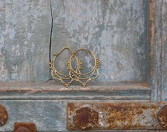 Earrings Brass Hoops Dots / Boucles d'oreilles en laiton créoles points