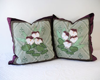 Pair of cushion covers, pillows, cushions and Velvet violets, precious, Velvet pillows, rustic pillows with flowers, pillows with violets