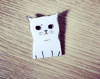 White Cat Acrylic Brooch Pin Jewelry