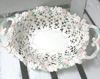 shabby...bezauberndes white metal basket!