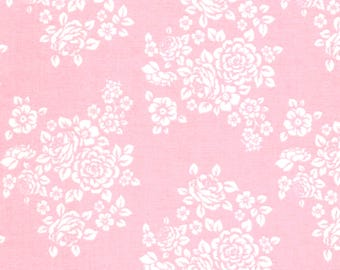Anne of Green Gables Ivory Flower Floral Bouquet on Pink Cotton Fabric - FQ