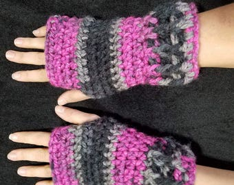 Black raspberry fingerless gloves