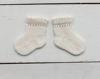 Hand knitted baby socks/ newborn summer socks / baby booties / white socks / merino wool socks / knit socks /handmade / newborn