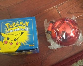 23K Gold Plated Trading Card.  Pikachu In A Blue Pokemon Box.