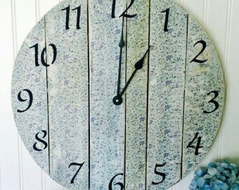 18 Inch Wooden Wall Clock, Pallet Wood Clock, Vintage Floral Decor, Farmhouse Industrial Clock, Wall hanging, Barn Wood Clock