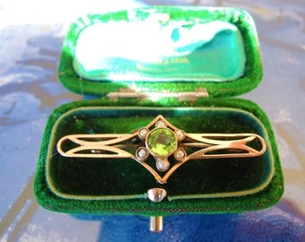 Antique Edwardian Art Deco Peridot Seed Pearl Gold Brooch Pin