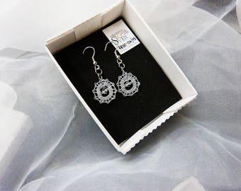 Lace earrings, bobbin lace earrings, lace jewelry, handmade jewelry, round earrings, handmade lace, bobbin lace jewelry,Swarovski crystal