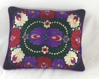 Vintage country cottage look embroidered front cushion cover