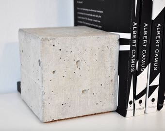 Raw Concrete Bookends (Pair)