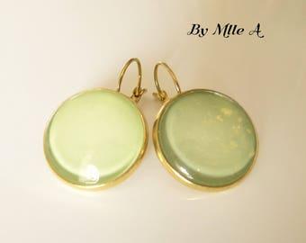 Glossy pistachio green earrings