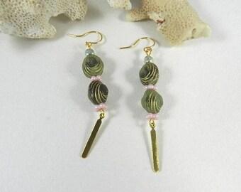 Earrings Gold Green, dangling earrings, Bohemia, jewelry earrings made hand, handmade