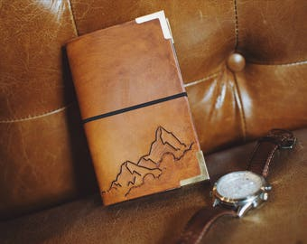 Notebook mountain peaks in the clouds - leather travel journal - style Midori