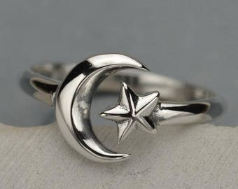 Moon and Star Ring - Sterling Silver