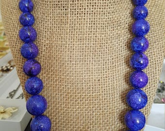 Vintage 50's- 60's Purplish Blue Marbled Bead Necklace