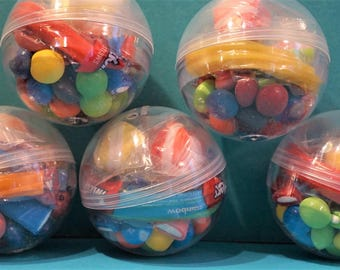 6 Pre Filled Treat Containers with Twist Closure