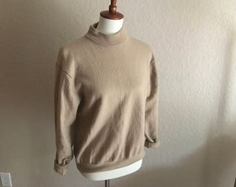 vintage 100% Merino extra fine wool sweater // turtle neck // over sized sweater // wool vintage sweater // 1980s // Size L // Large