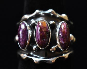 Size 8 Sterling Silver Ring with Purple Spiny Oyster Shell, Navajo SS New Mexico