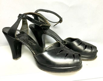 FABULOUS Vintage 1940's Black LEATHER PLATFORMS / Fetish High Heel Shoes with PeeP ToeS / size 9 aaa
