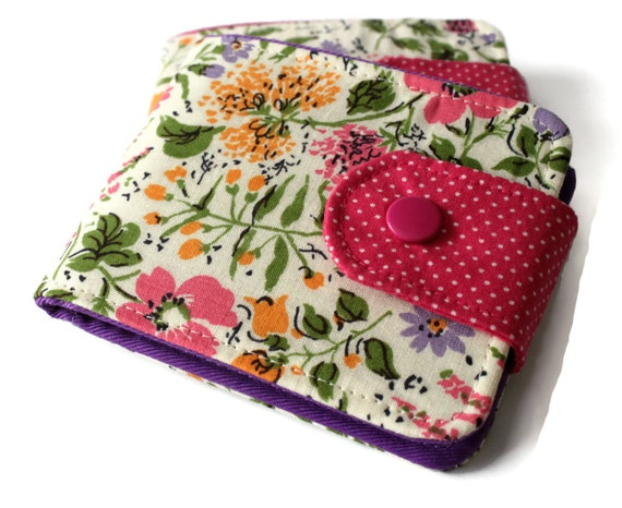 Womens BillFold Fabric Wallet / Vintage Cotton Cream Floral / Vegan Wallet