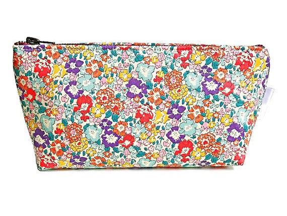 Floral Pouch, Womens Zipper Pouch, Small Cosmetic Pouch, Liberty of London, Fabric Pouch, Bridesmaid Pouch, Travel Pouch